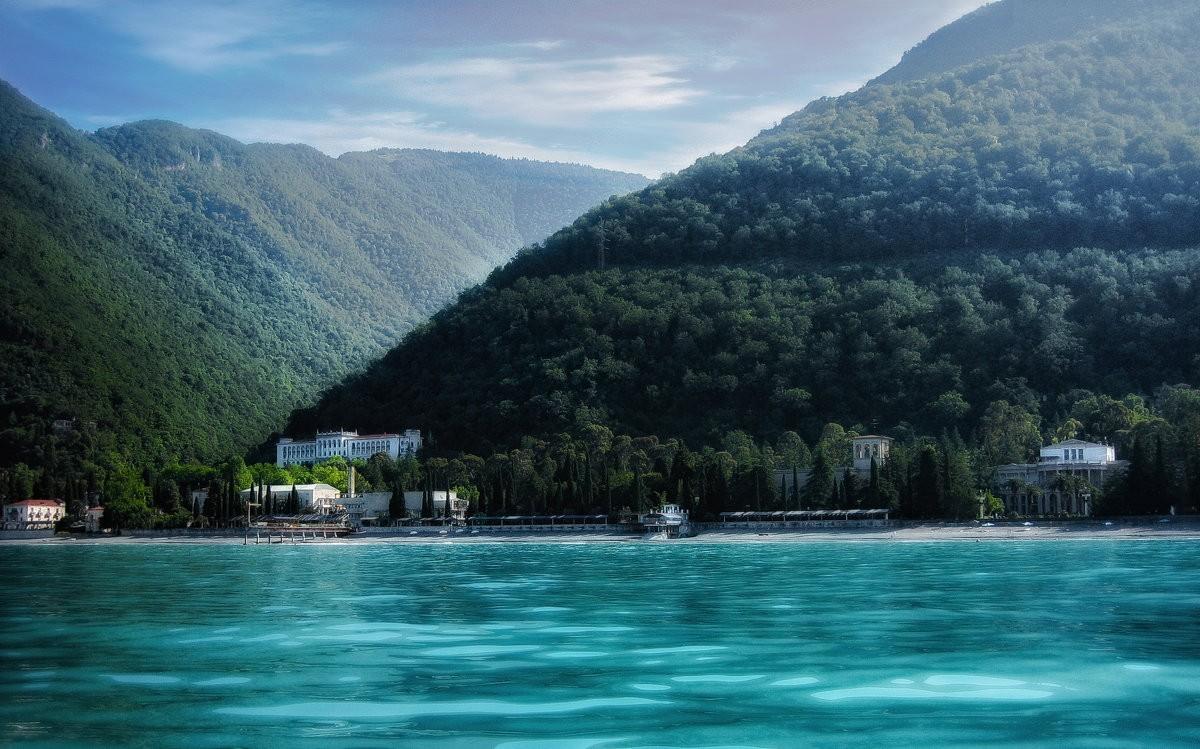 Абхазия фото достопримечательности пляжи чуть
